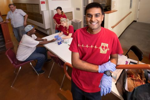 Undergraduate research at USC: Kaushik Parvathaneni portrait at the Bixel House