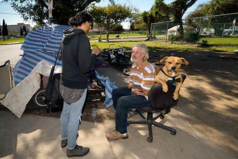 homeless count volunteers talking to homeless people in Los Angeles