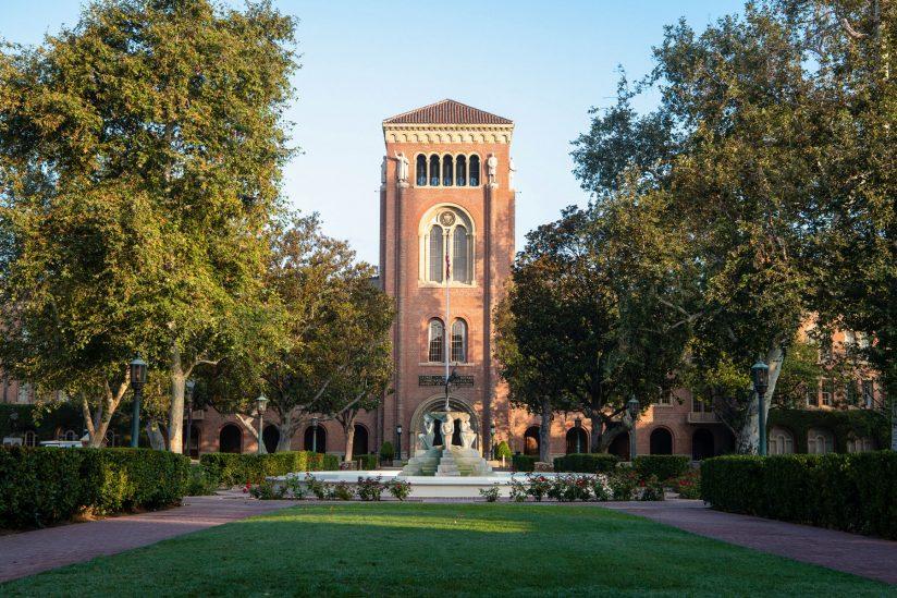Nikias steps down as USC president
