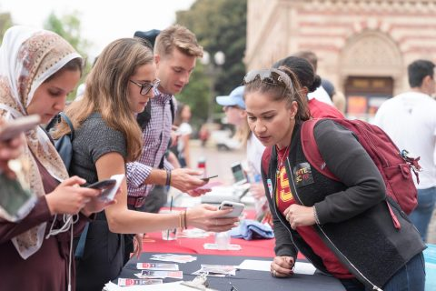 usc-poll-millennial-voters-discouraged-by-political-climate