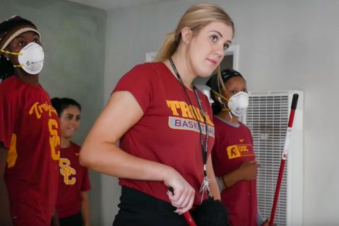 USC Women's basketball community service: Danijela Milisic and teammates spruce up an apartment