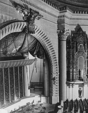 Million Dollar Theatre, interior