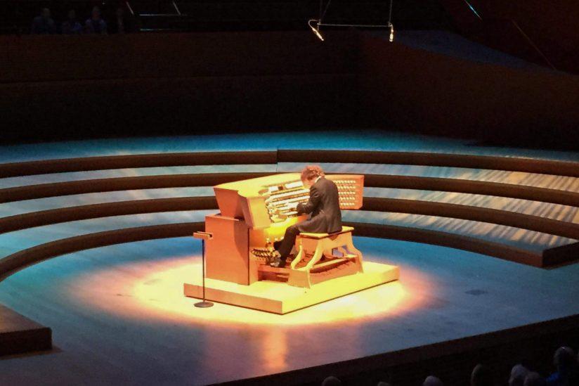 Thomas Mellan, performing thanks to Cameron Carpenter
