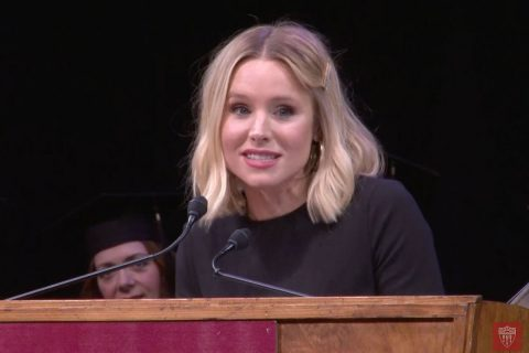 Kristen Bell speaks at the 2019 USC School of Dramatic Arts' commencement. (Photo/USC video team)
