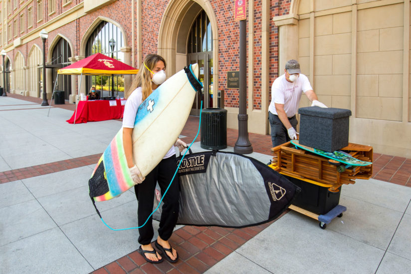 USC students move out day