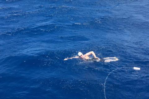 Becca Mann usc student swimming in Hawaii