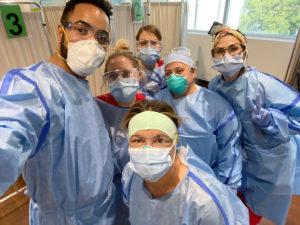 USC Verdugo Hills Hospital team selfie