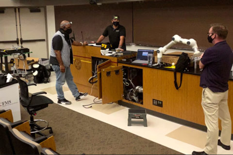 USC ITS tech team remote learning classrooms