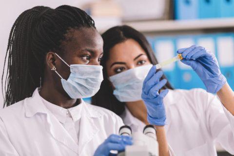 Keck Medicine lab technicians