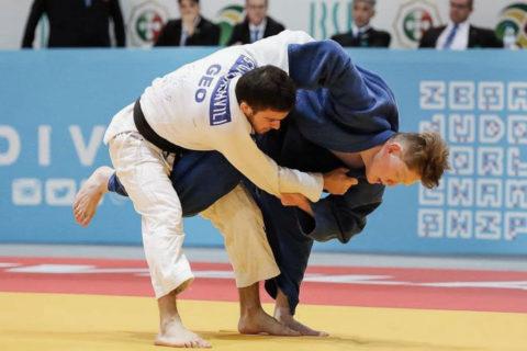 USC Paralympian Robert Tanaka